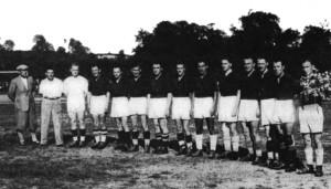 Lemberger Stadtauswahl vor dem Spiel gegen eine deutsche Soldatenelf 1944